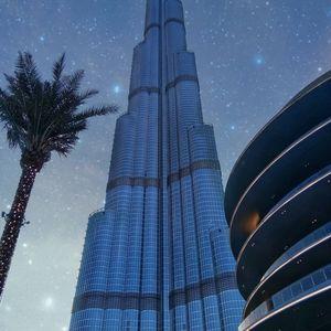 The worlds tallest building (Burj Khalifa)
