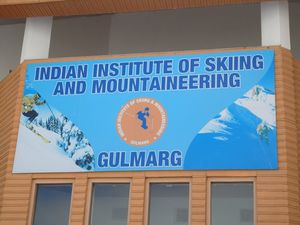 Indian Institute of Skiing & Mountaineering 1/6 by Tripoto