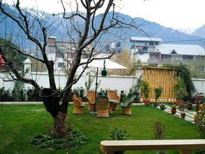 A Perfect Place To Stay In Manali-- Apple Croft