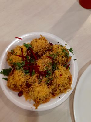 Chat-Sev Puri is one lip smacking dish. It's tasty and tangy and crispy. It appeals the tastebuds!!