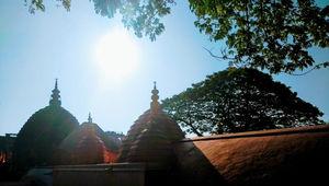 प्रकृति के बीच आध्यात्म की अनुभूति कराता है कामाख्या मंदिर