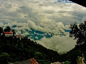 8 Places In India Where You Can Literally Touch Clouds!