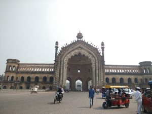A Girl's Guide to Lucknow
