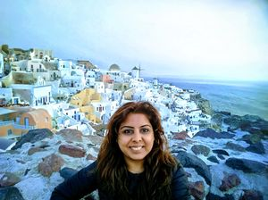 Despite the touristy vibe,Oia didnt let me down the :D shows!! #selfiewithaview #tripotocommunity