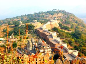 Kumbhalgarh - Heights of traditional infrastructure at the height.