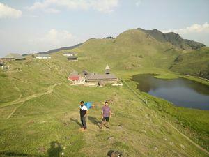 Majestic view of parashar lake
