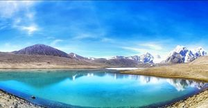 A lake on top of 18000 ft. Gurudongmar Lake. One of the highest lakes in the world . #North Sikkim