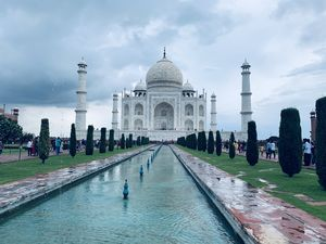 Visiting the iconic symbol of Love - Taj Mahal