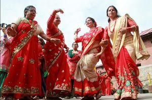 नेपाली के उत्सवों का रंग देखना है तो तीज महापर्व पर आईये नेपाल