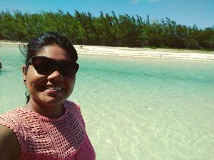 Selfie with the beautiful Green Water of Mauritius #selfiewithaview #tripotocommunity
