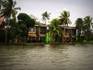 Alleppey Boathouse 1/71 by Tripoto
