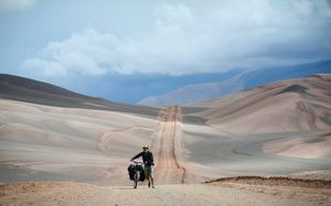 Cycling over the Pircas Negras Pass between Argentina and Chile