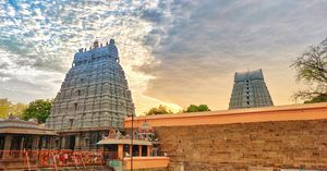 This is one of the towers in thiruvannamalai shiva temple,perfect place for peace lovers.