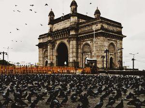 Freedom flying over the gate. #Tajmahal of mumbai.