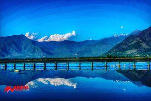 Dal Lake A gem of Srinagar