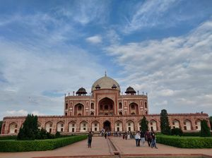 Delhi has more than 1300 monuments, so are you ready to explore them wd me