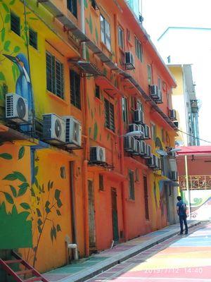""""""" Life is full of beautiful colors""""....Art Street Janan Alor@ BukitBitang #streettalk"""