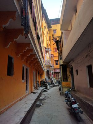 Varanasi - The nooks,corners and street delicacies
