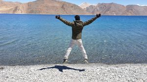 Bang bang at pangong
