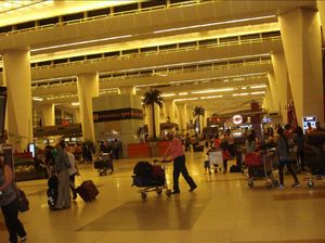 Airports- A Globetrotter's resting ground#flightzoned