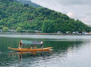 Mornings in Kashmir