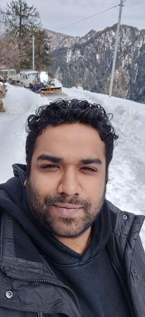 #SelfieWithAView#TripotoCommunity # topview#jibhi#unexploredhimachal