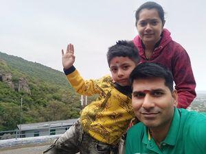 #SelfieWithAView #tripotocommunity Family selfie at Maruthamalai Hills #Coimbatore