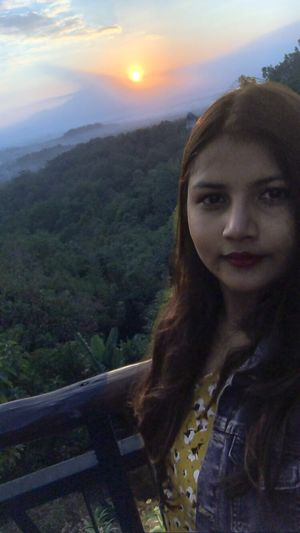 What do u say to a beautiful sunrise? Lets make this day count #SelfieWithAView #TripotoCommunity