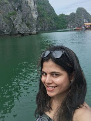 #SelfieWithAView #Tripotocommunity Beautiful journey to Vietnam  #Halongbay