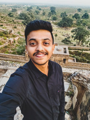 January 2019-Bhangarh Fort, it's all about the vibes. #SelfieWithAView #TripotoCommunity @vivoindia