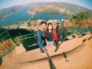 Selfie with Lavasa's view #SelfieWithAView #Tripotocommunity