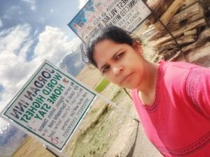 #selfieWithAView&#tripotocommunity|Selfie from highest village in world connected with motorableroad