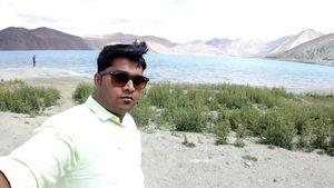 Beautiful Pangong Tso, Ladhak #SelfieWithAView #TripotoCummunity