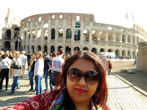 #selfiewithaview #tripotocommunity  ... my 1st Euro trip.. 1st landmark visit.. Colosseum