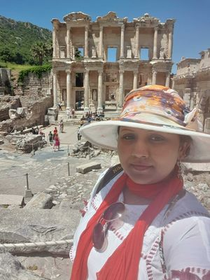 #selfiewithaview #tripotocommunity  ...  Ancient city of Ephesus.. Library of Celsus