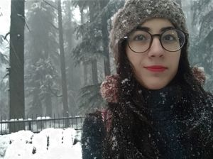 When i asked for a vacation and got snowfall instead in Manali. #selfiewithaview #triptocommunity