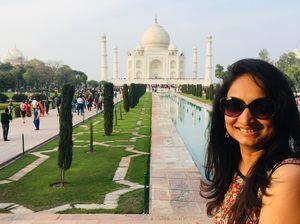 #SelfieWithAView Wah !Taj Mahal , Agra. No amount of pics wit Taj is ever enough #triptocommunity