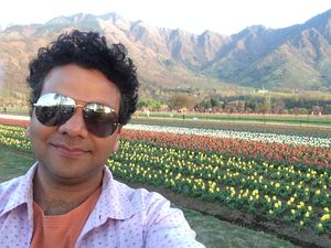 Oh the beautiful valley, the buds of my heart have blossomed #SelfieWithAView #TripotoCommnity