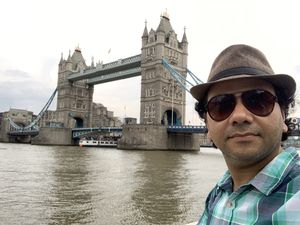 When shades of clothes matches with tower bridge of London #SelfieWithAView #TripotoCommunity