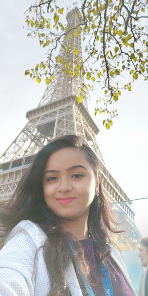 The love tower with selfie lover #selfiewithAview #tripotocommunity