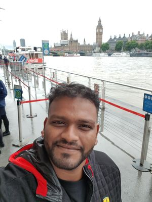 London, Centre of the World ❤ #thames #SelfieWithAView #TripotoCommunity