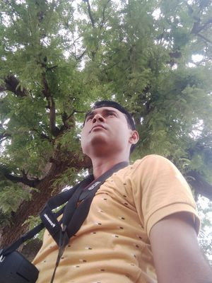 The tree & me  #SelfieWithAView #TripotoCommunity