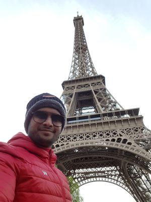 Standing near World's iconic monument,  Tour Eiffel!!  #SelfieWithAView #TripotoCommunity