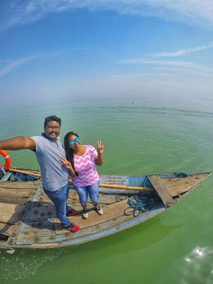 Travel to the Edge of the World #selfiewithaview #tripotocommunity