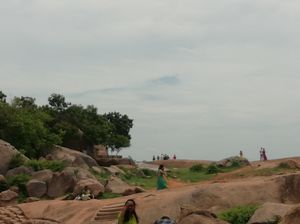 mahabalipuram kind of a temple place, nice place only in morning and evening