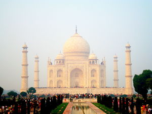 Give Agra 2 days, a suggested itinerary