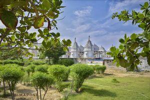 Kushal Vatika Jain Temple