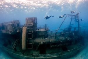 Now Scuba Dive into a Minesweeper turned Museum off Pondicherry coast at a Depth of 26 meters!