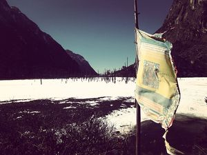 High Altitude Lake near Indo-China Border has gone Frozen and is Breathtakingly Beautiful!!!