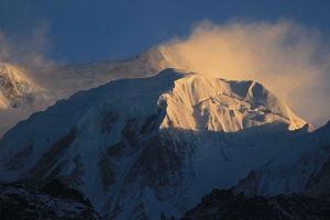 Witnessing The Sunrise From Dzongri Peak #viewfromthetop